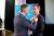Koninklijke onderscheiding voor Willem Lageweg bij afscheid MVO Nederland