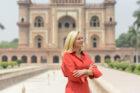 Minister Kaag draagt in India 'circulaire' jurk van Nederlandse topontwerper