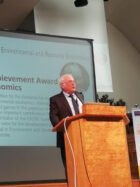 Prof. Aart de Zeeuw wint de EAERE European Lifetime Achievement Award in Environmental Economics