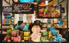 Lush opent 's werelds eerste verpakkingsvrije cosmeticawinkel in strijd tegen plastic