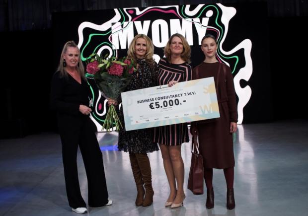 5b19333d025 MYOMY do Goods wint de Green Fashion Talent Award 2018 - Duurzaam ...