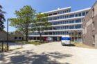 Marmoleum geeft kleur aan duurzaam gerenoveerd PLEM-gebouw Maastricht met bollenvelden en weilanden