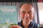 2.500e exemplaar boek 'CO2-neutraal ondernemen - zo doe je dat!' overhandigd