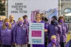 Actievoerders op stoep van Europees Parlement: mazen in wet dierproeven moeten gedicht